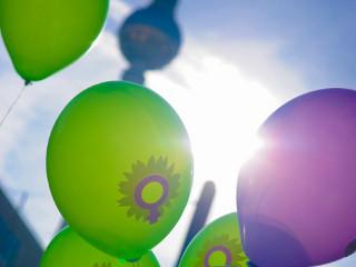 csm_20151001_Frauenluftballons_320x240_fcaebed092